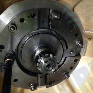 Napier na457 rotor end nut and bearing removal for standard service hours and oil chamber inspection